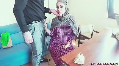 Arab slut is getting fucked wildly
